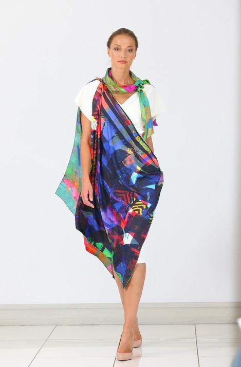 ClareOC_Fashionshow19_90x90_Look2_3.jpg