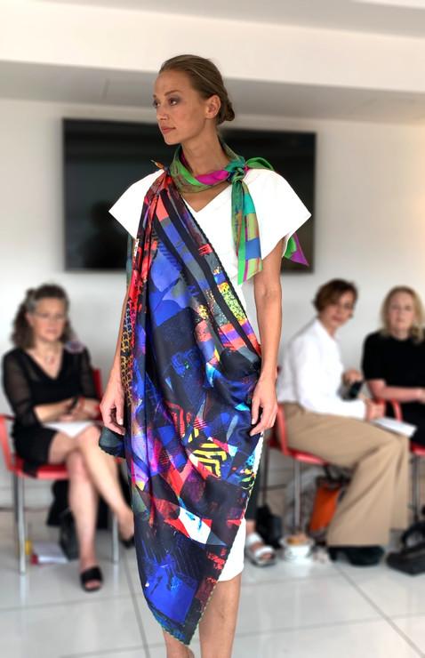 ClareOC_Fashionshow19_90x90_Look2_10.jpg