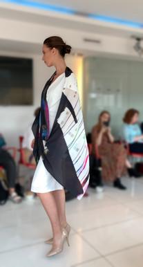 ClareOC_Fashionshow19_90x200_Look3_2.jpg