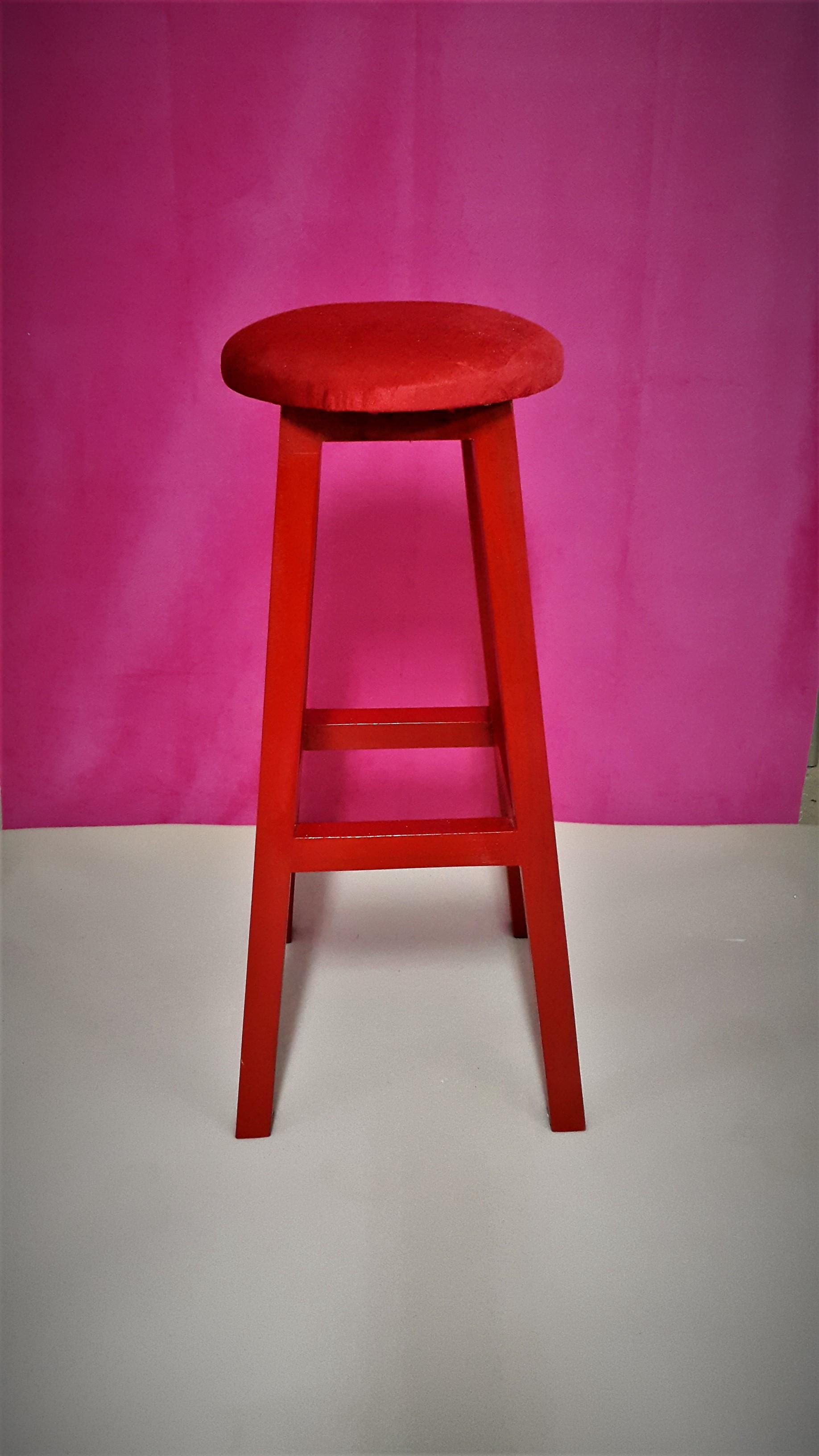 kırmızı tabure imalattan