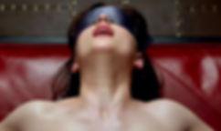 Sexo con los ojos tapados.jpg