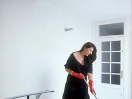 "Marina Abramovic ""cleaning the floor"""