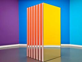 Daniel Buren, Allegro Vivace 3, Staatliche Kunsthalle Baden-Baden, 2011.JPG