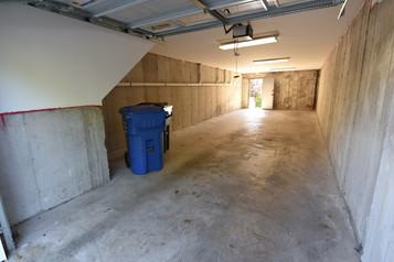 102 - D- Garage.jpg