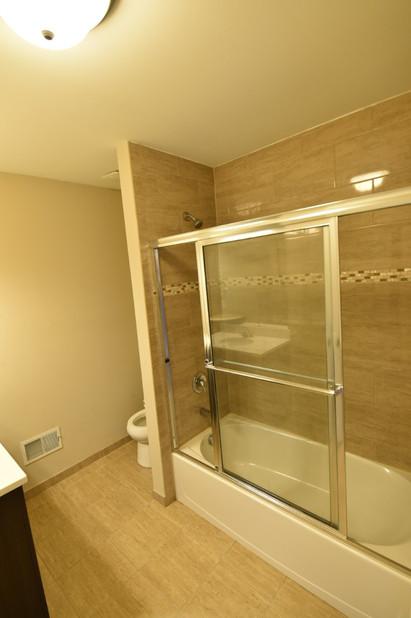 Bathroom with Tub.jpg