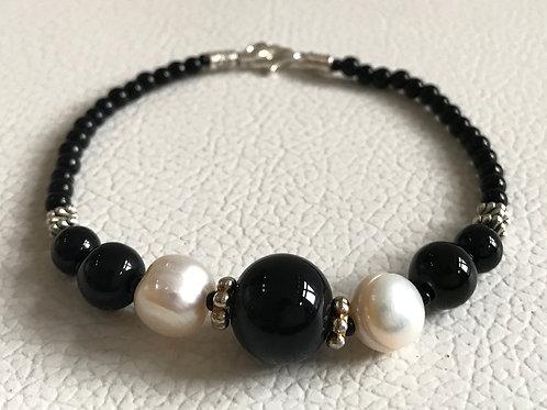 Bita Black and White Bracelet