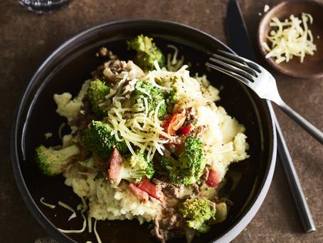 Broccolischotel met gehakt en puree