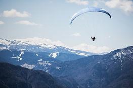 Dağları yamaç paraşütü