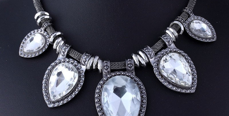 Chunky Stone Fashion Necklace