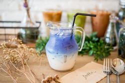 Blue Bird almond milk