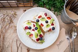 Ricotta Toast Berries
