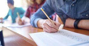 becas-para-estudiantes-630x330.jpg