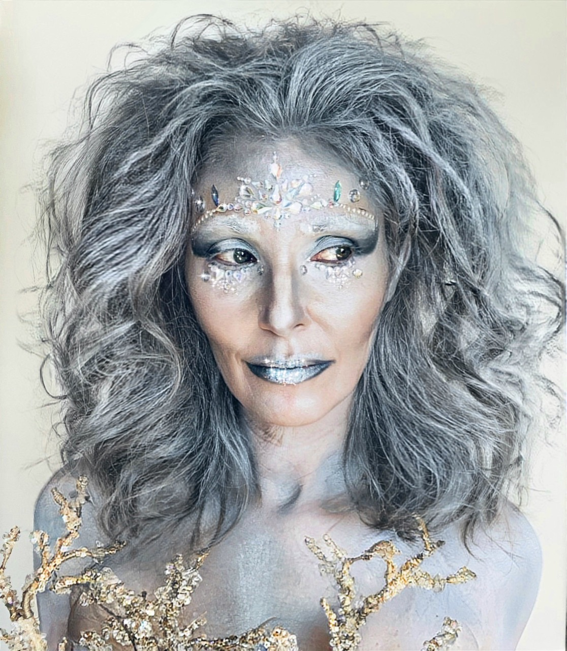 Frost makeup