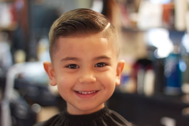 Coupe de cheveux enfants