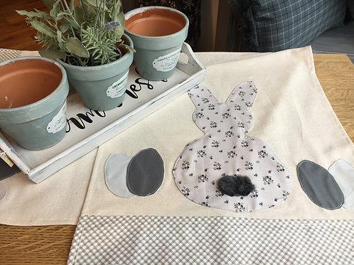 Easter Table Runner kit