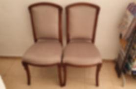 Juego de sillas tapizadas en microfibra
