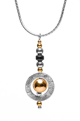 Circle with Gold bead and Hematite