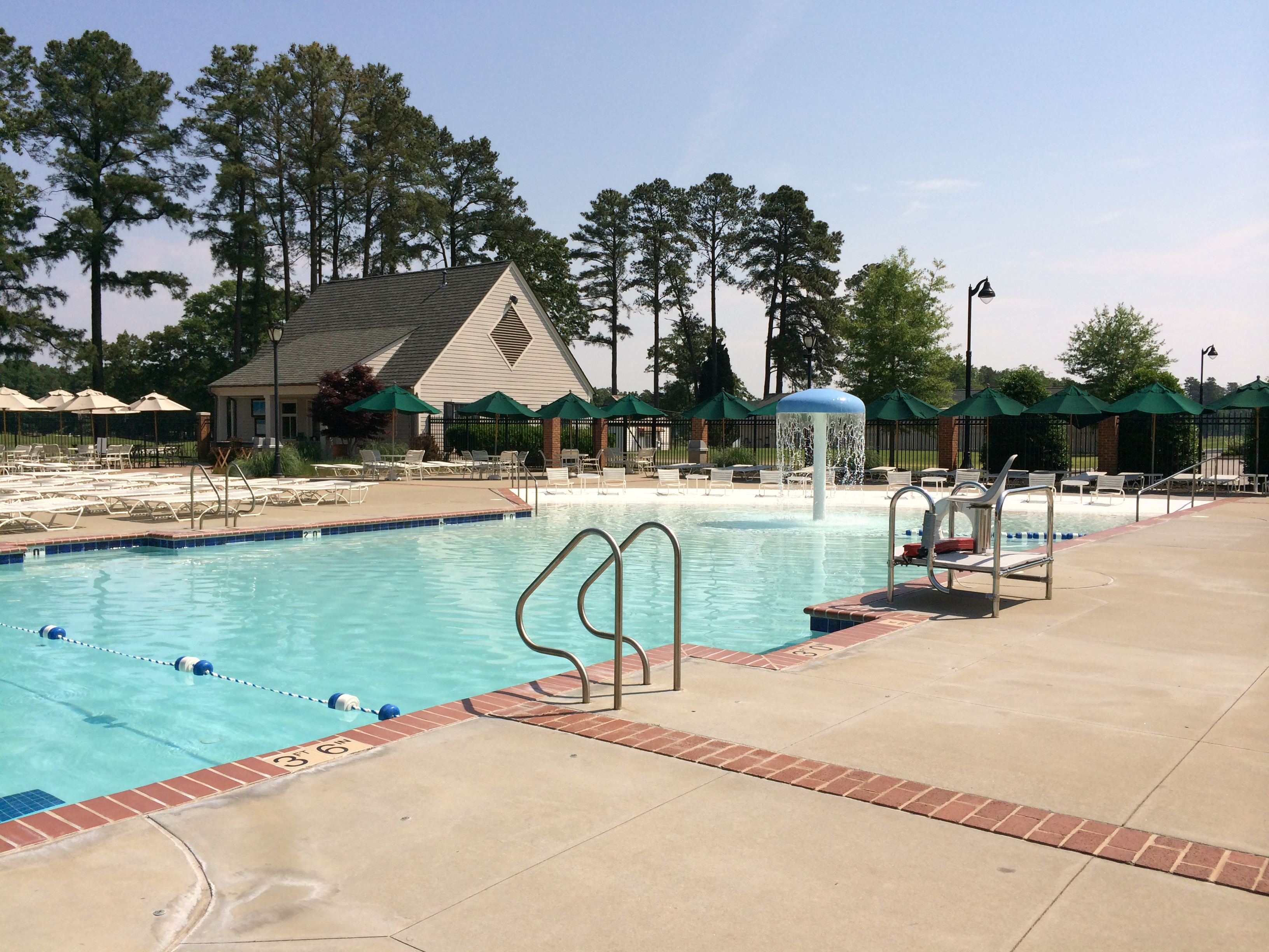 Salisbury Country Club Pool Complex