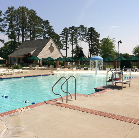 Salisbury Country Club - Pool Complex