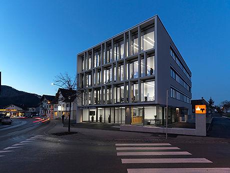 W&M_Bürogebäude__kleiner.jpg