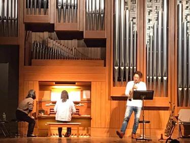 クリスマスコンサート明日です!@神奈川県民ホール