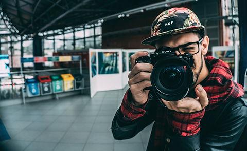 בחור-עם מצלמה-של סוני