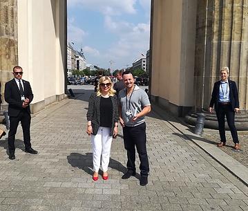 הגברת שרה נתניהו בסיור עם אמיר בברלין