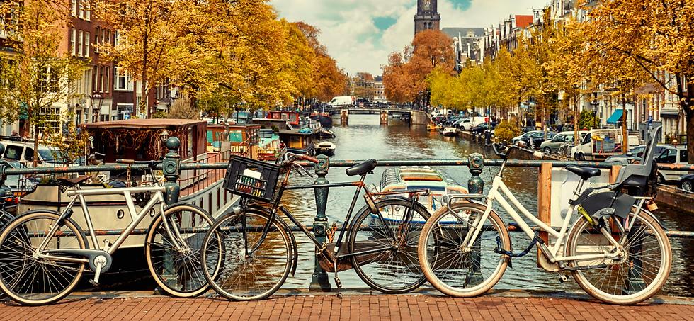 אופניים-על-גשר-בברלין