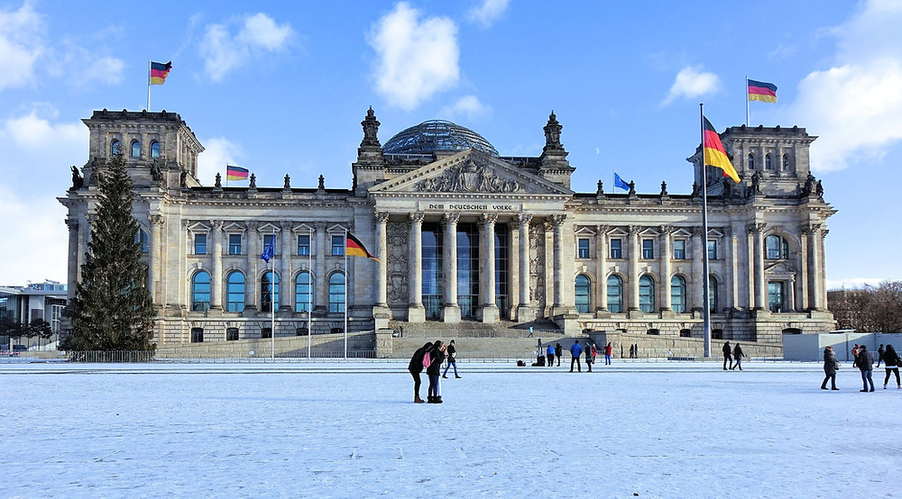 כיכר הרפובליקה בברלין מכוסה שלג
