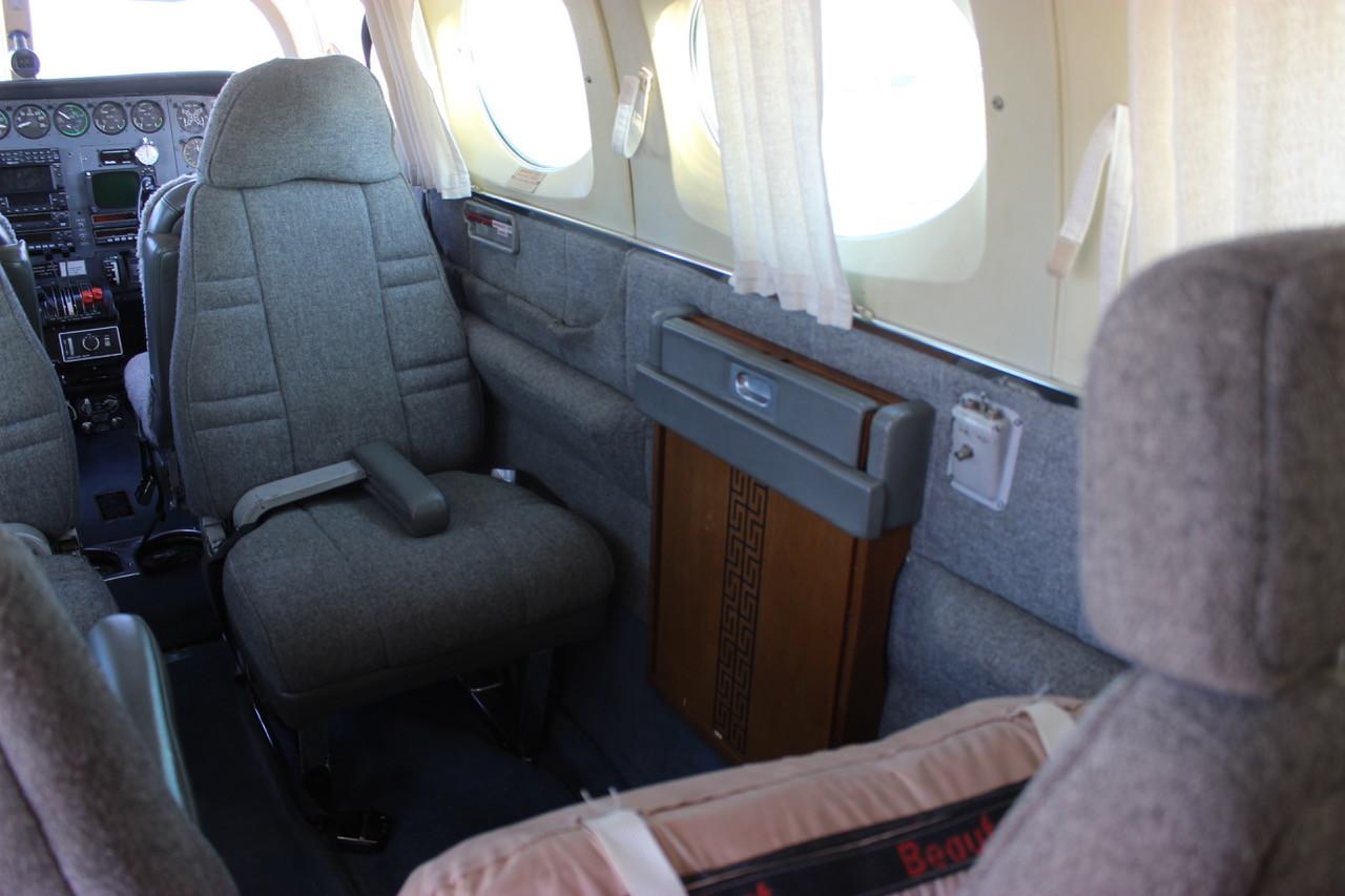 N3HK Cessna 340 Interior Side View Eagle