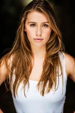 Headshot Charlotte Riddle