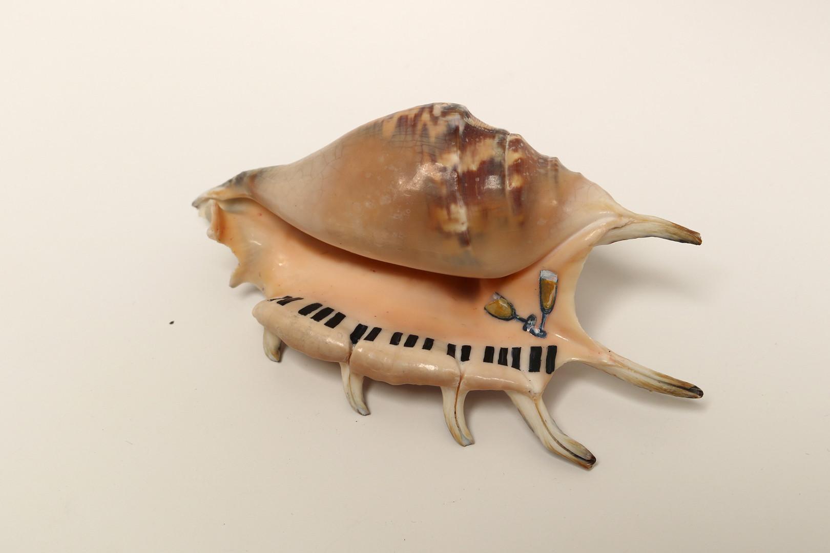 Du pipeau sur un piano