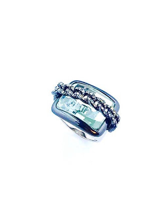 Large crystal and chain fashion ring