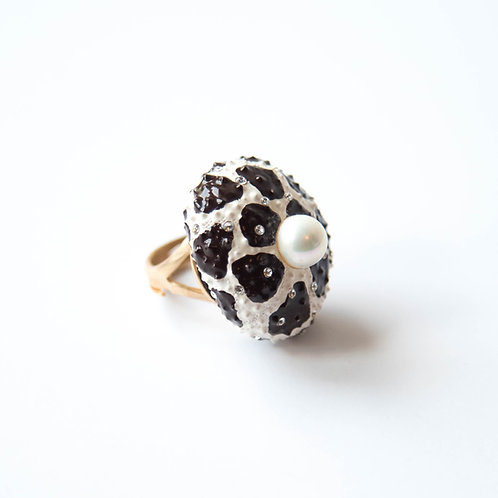 Medium sea urchin ring with faux pearl