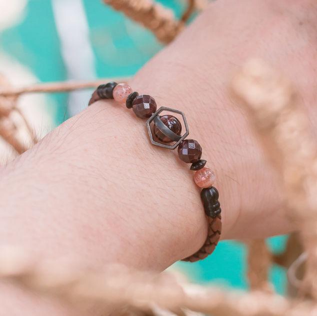 Latch Handmade Leather Bracelet 23.jpg