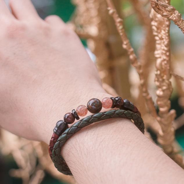 Latch Handmade Leather Bracelet 7.jpg