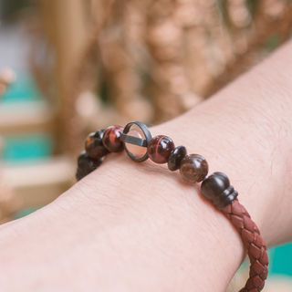 Latch Handmade Leather Bracelet 19.jpg