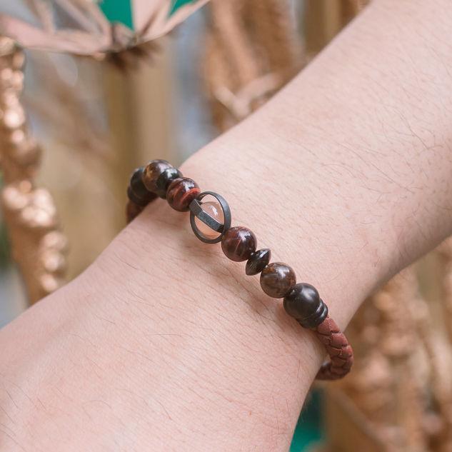 Latch Handmade Leather Bracelet 20.jpg