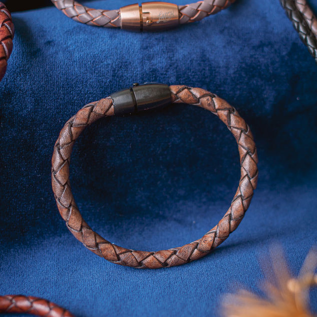 Latch Handmade Leather Bracelet