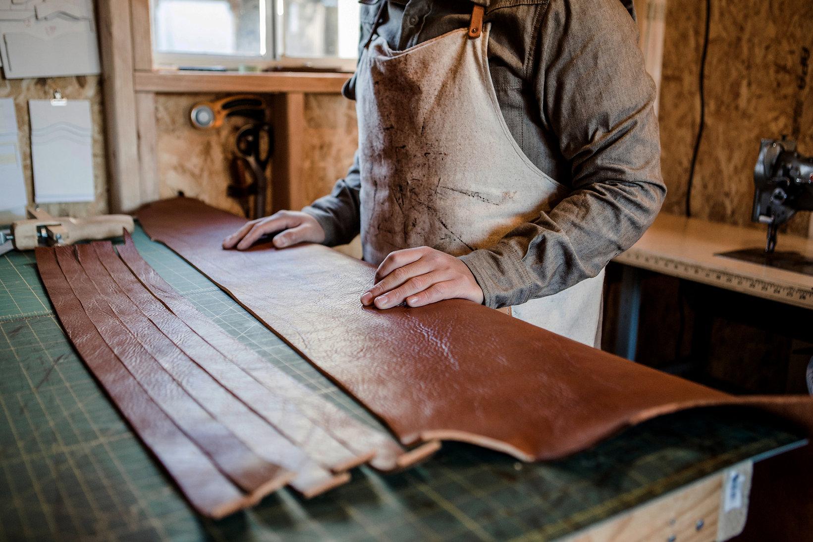 artesano de cuero