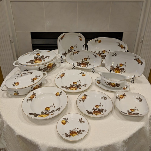 Bavaria Autumn Rose White China with 22 kt Gold Band