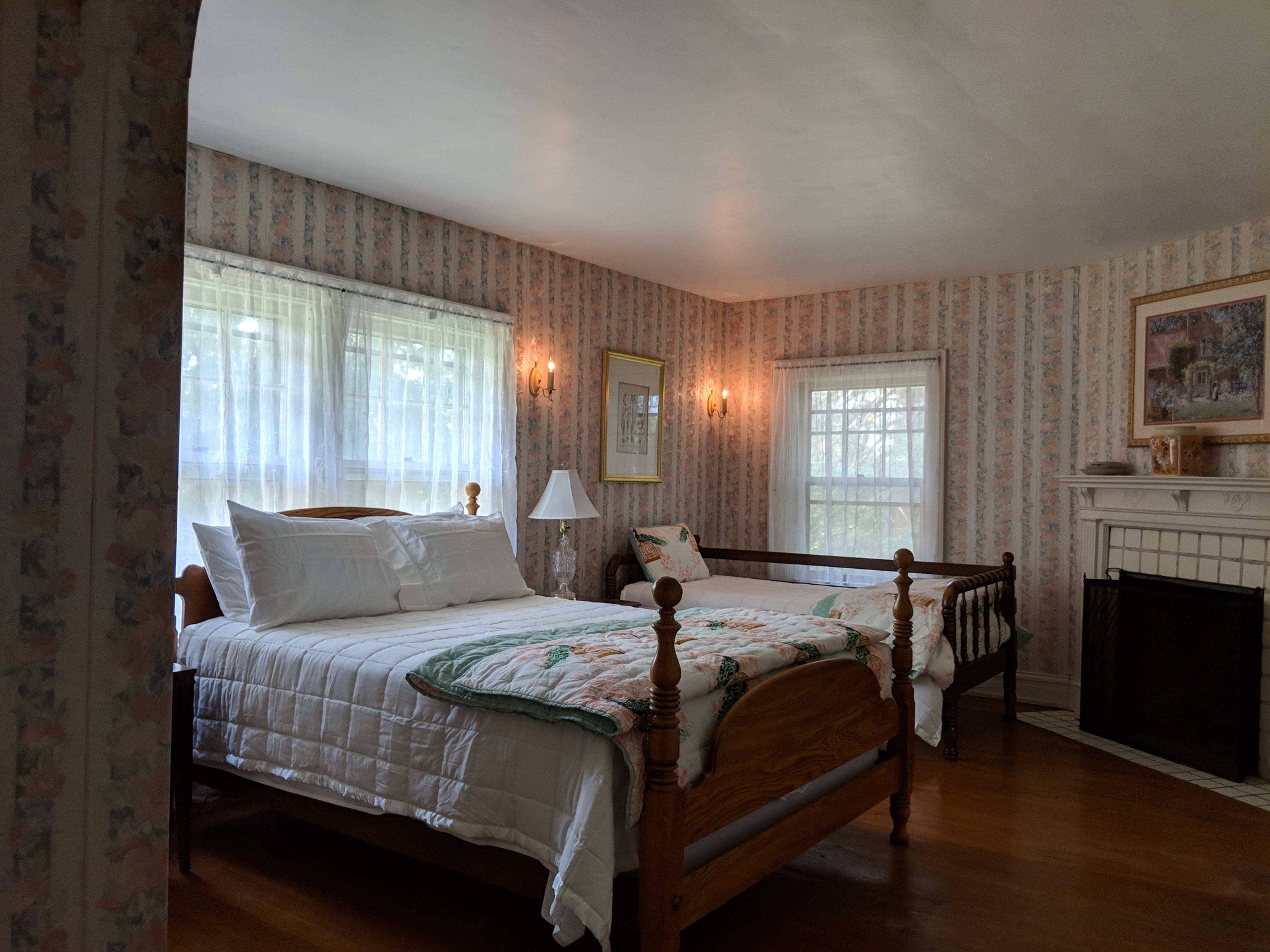 Candoren Guest Suite Overnight from $95