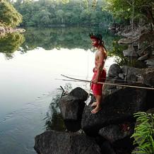 原 住 民 的 家 与 远 方