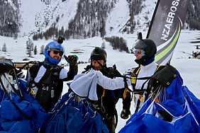 Skydivers at EngadinSky