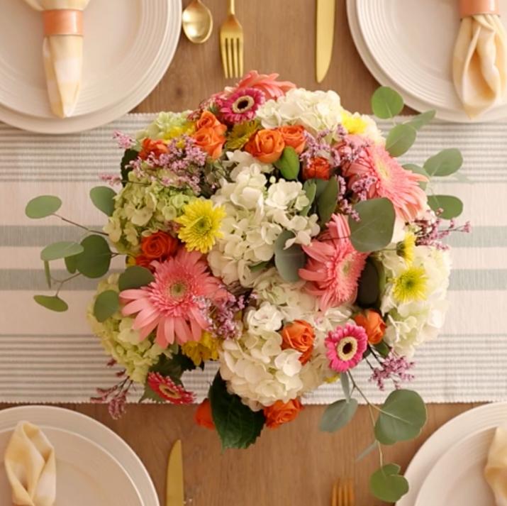 DIY_Taped_Floral_Arrangement_V04.mp4