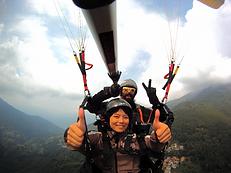 volo in parapendio biposto sule sponde del lago dii Como