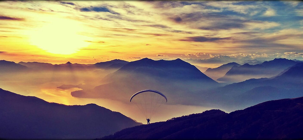 Flylibell paragliding tandem on lake como
