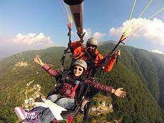 Flylibell permette alle persone disabili di volare in parapendio