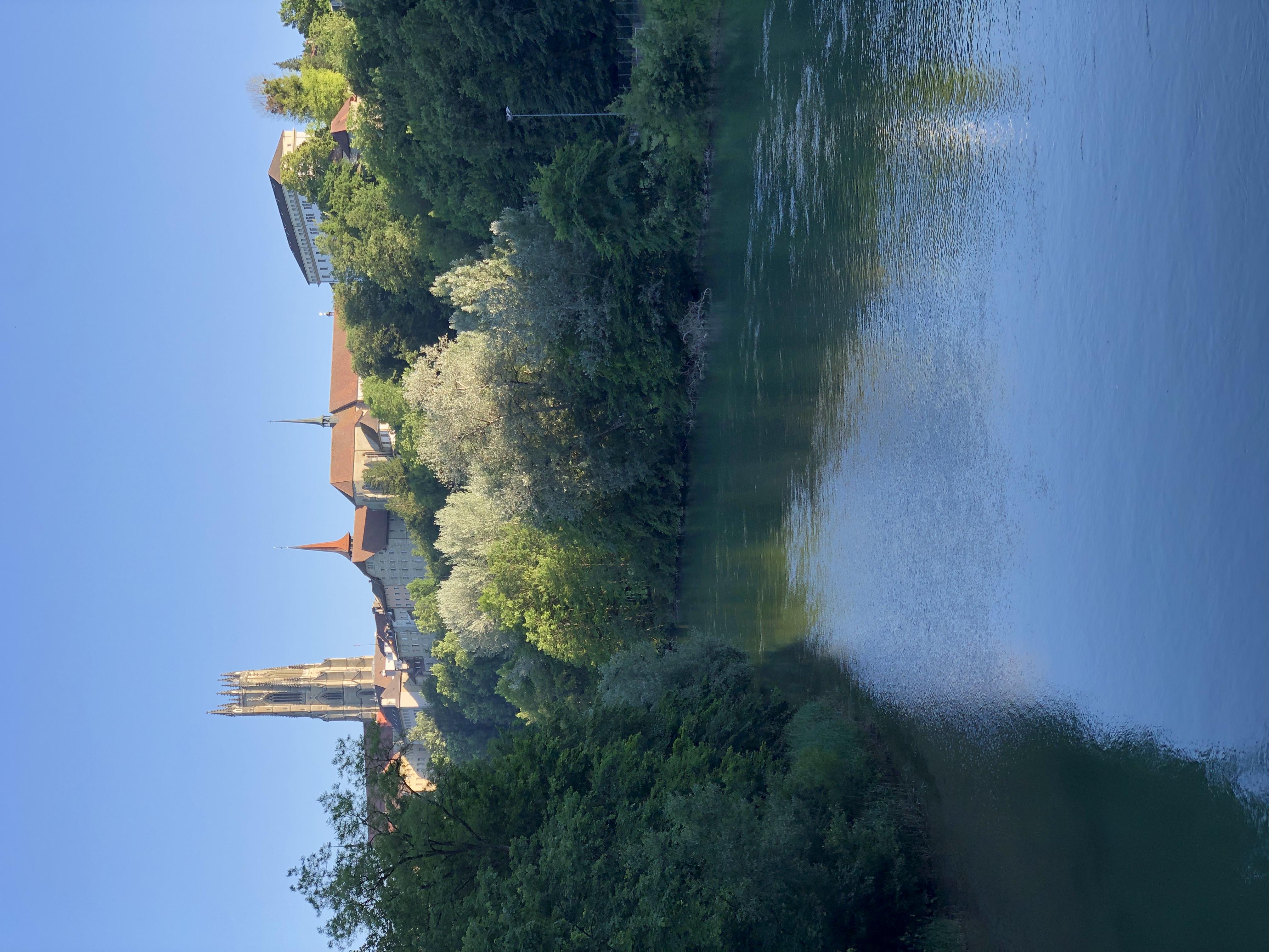 Cathédrale au fil de l'eau