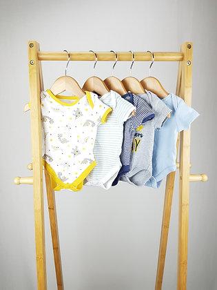 5x bodysuits mix newborn/1 month